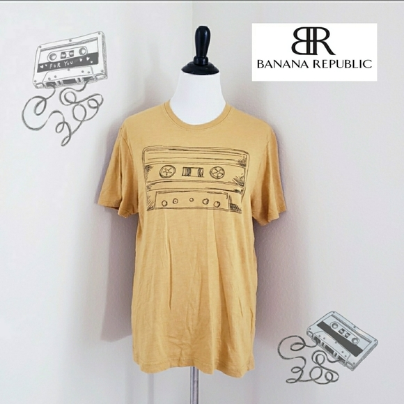 Banana republic cassette tape graphic tshirt